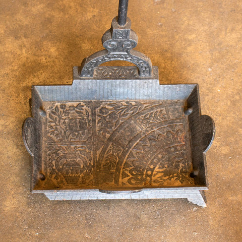 #10400 Victorian Fireplace Tool Holder image 3