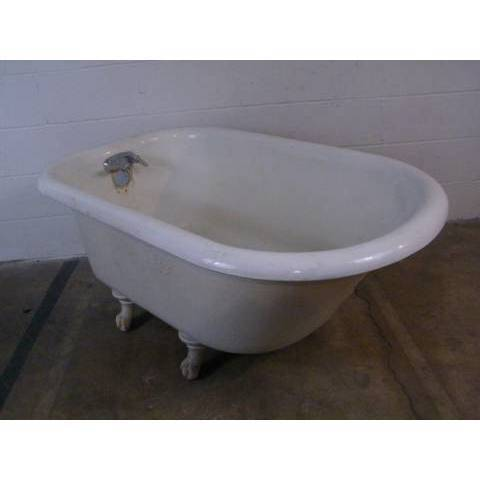 #8877 Vintage Clawfoot Bathtub image 2